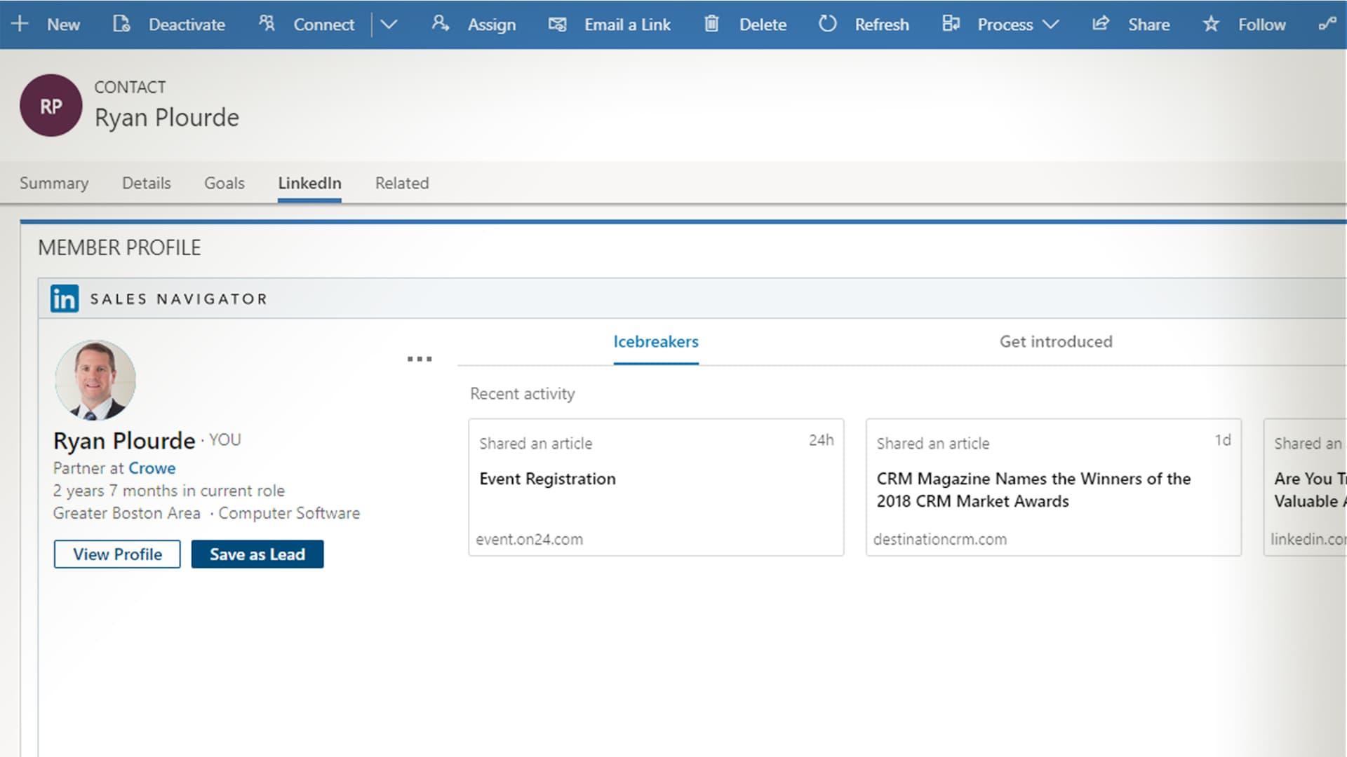 Build social networks using LinkedIn integration.
