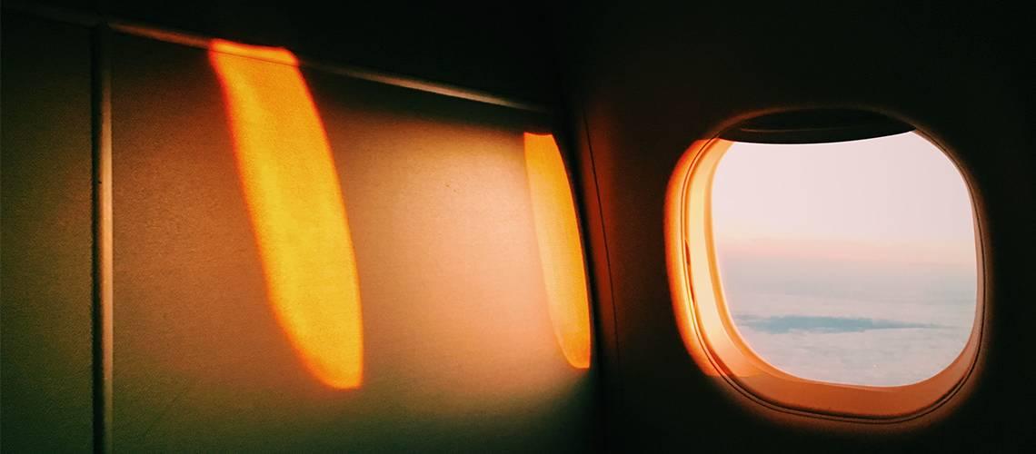 ventana interior avión