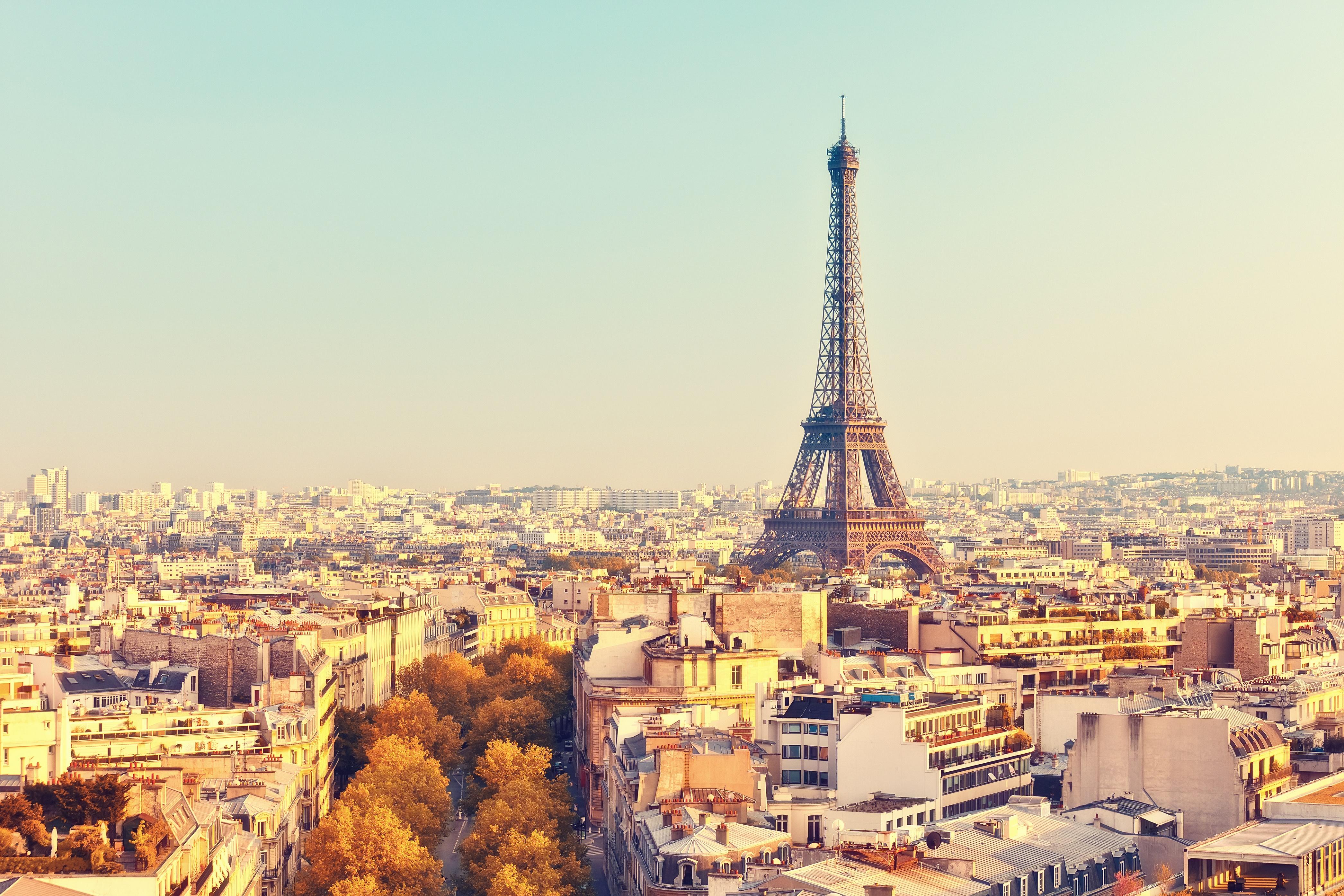 Crowe Fidelio Paris