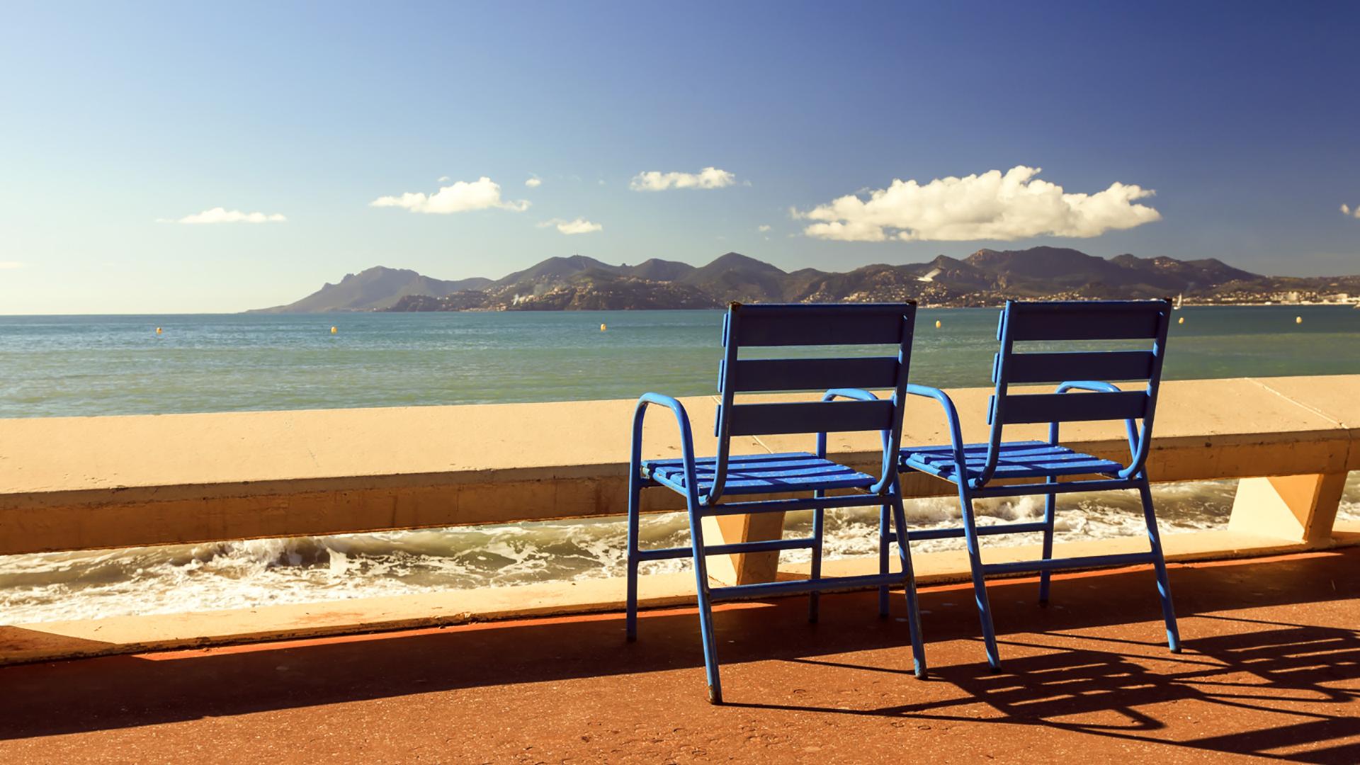 Chairs facing beach